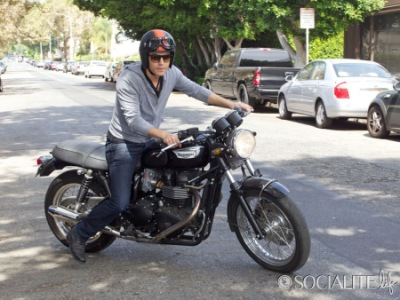 Paul Wesley Takes His Motorcycle For A Spin in LA [25 сентября]