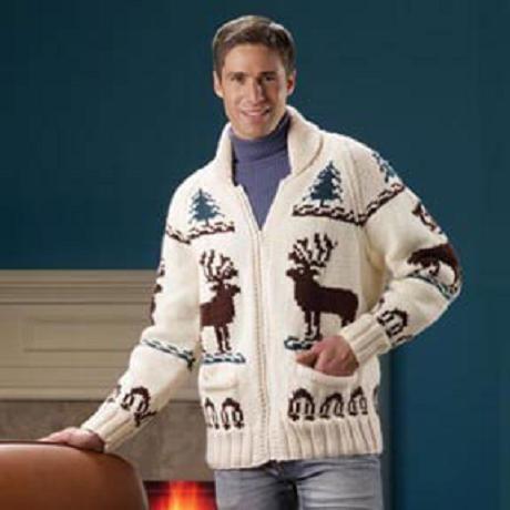 мужской свитер с оленями.