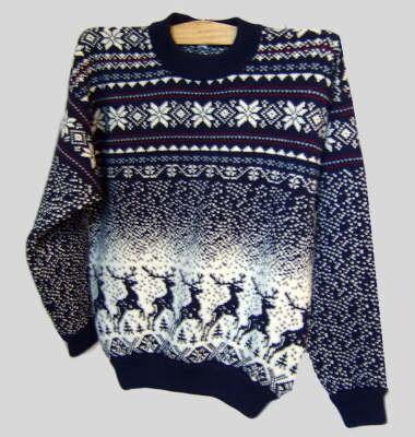 свитера с оленями со схемами. вязание спицами красивый свитер. схема.