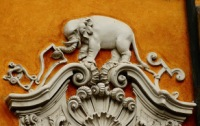 Одна из малоизвестных достопримечательностей Мантуи - Палаццо со слоном.