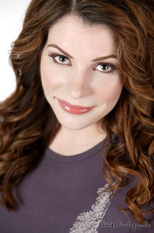Интервью со Стефани Майер: Автор «Сумерек» забывает про вампиров ради «Остинленда»
